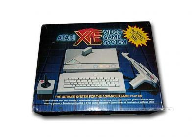 Atari XE Video Game System Caja
